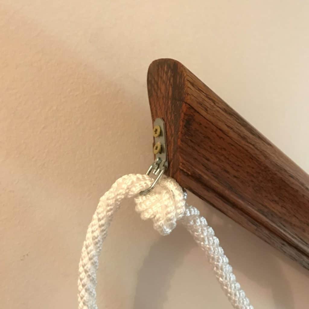 Half hitch stopper knot