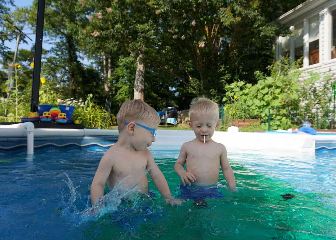 What's a swim platform? Quadro Aqua Pool Dock - Fort Birthday