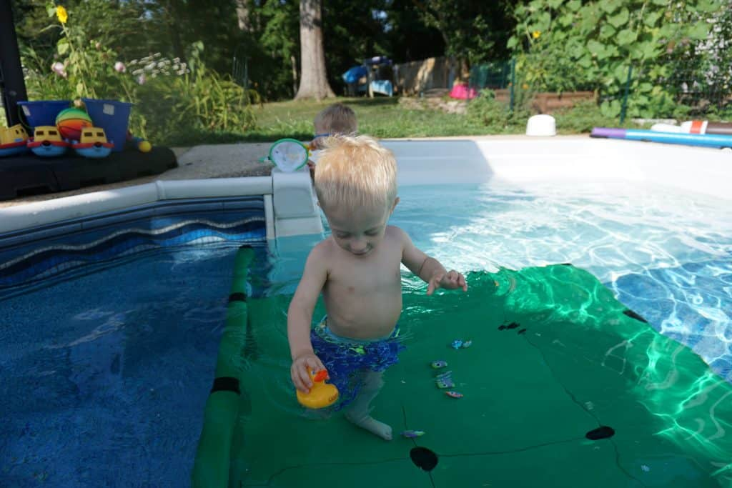 What's a swim platform? Quadro Aqua Pool Dock - Fort Birthday